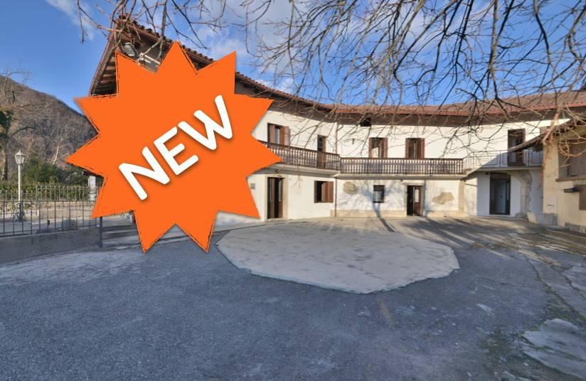 foto  Villa, buono stato, 300 mq, Attimis