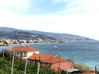 Foto - Trilocale via circonvallazione, Bussana, Sanremo
