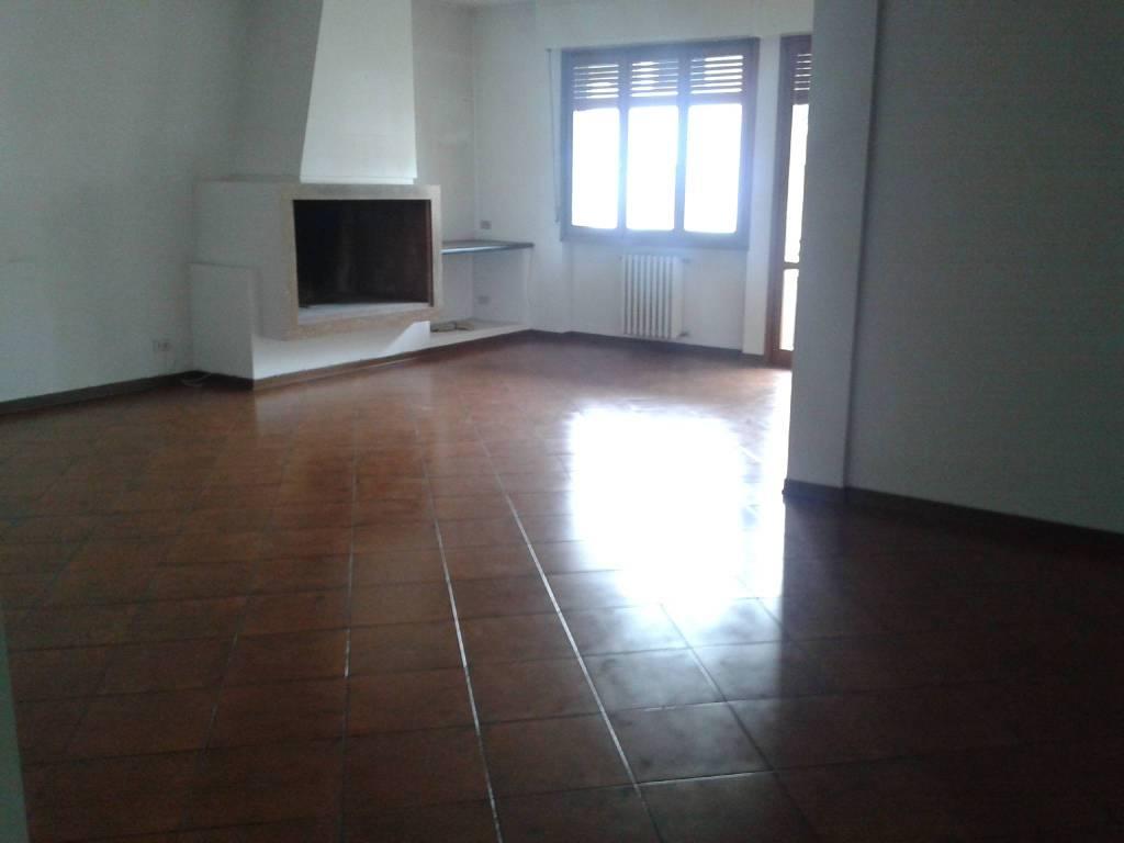 foto panoramica soggiorno Appartamento via Giordano Bruno 67, Prato
