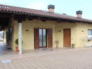 Photo - Single family villa Strada Guarene, Alba