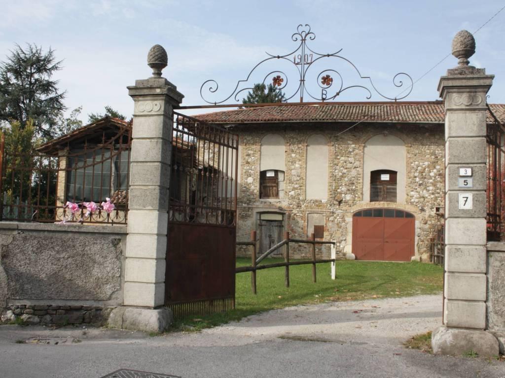 foto  Casale via San Daniele, Colloredo di Monte Albano