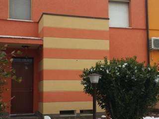 Foto - Villetta a schiera via E  Dugoni 8, Roncoferraro