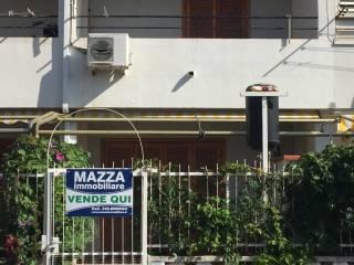 Foto - Villetta a schiera 3 locali, buono stato, Fiumefreddo Bruzio