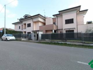Foto - Trilocale via SanRocco, 2, Villa Cortese