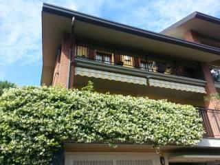 Foto - Casa indipendente via delle Grigne, Capiago Intimiano