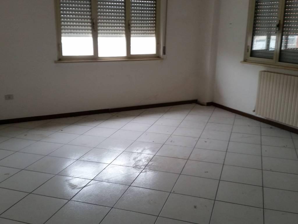 foto  Ufficio in Affitto a Fabriano