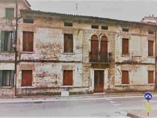 Foto - Palazzo / Stabile, da ristrutturare, Oderzo