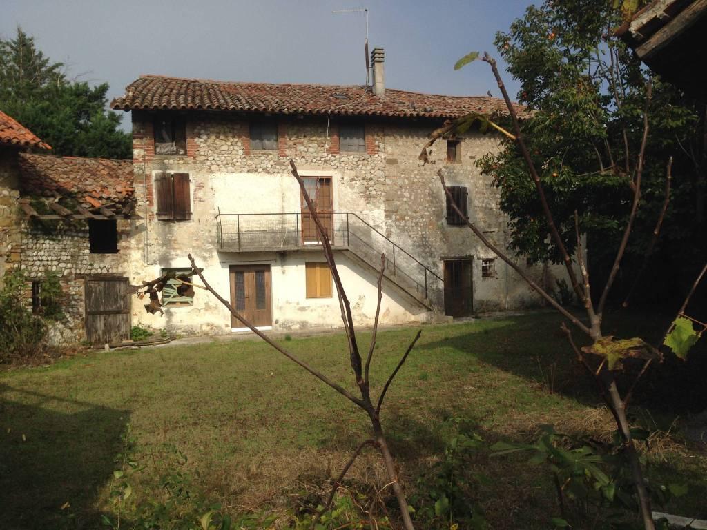 foto  Rustico via Malina 22, Moimacco