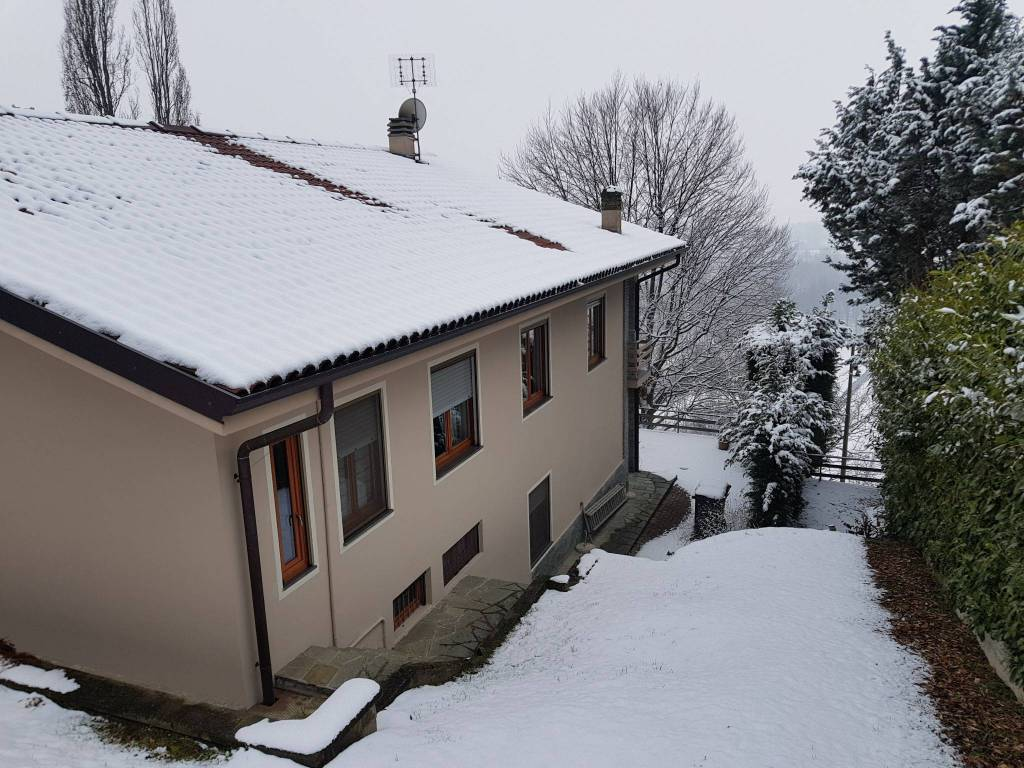 foto  Single family villa, excellent condition, 340 sq.m., Burolo