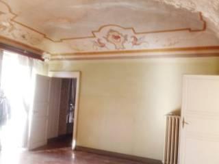 Foto - Palazzo / Stabile tre piani, da ristrutturare, Biella