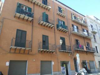 Case e appartamenti via maqueda palermo for Monolocale arredato palermo
