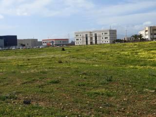 Foto - Terreno edificabile industriale a Elmas