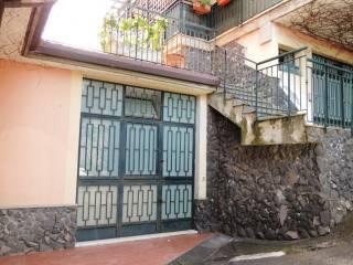 Foto - Box / Garage via Caduti del Lavoro, Gravina di Catania