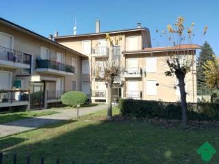 Foto - Trilocale via Monteregio 4, Casatenovo