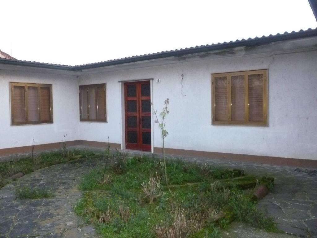 foto  Villa via Rodomonte Gonzaga, Pieve San Giacomo