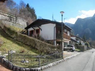 Foto - Villa via Castello, Piazza Brembana