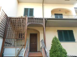 Foto - Villetta a schiera via gherardi 2, Coiano, Prato