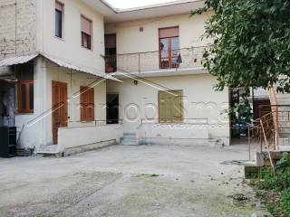 Foto - Palazzo / Stabile due piani, da ristrutturare, Teverola