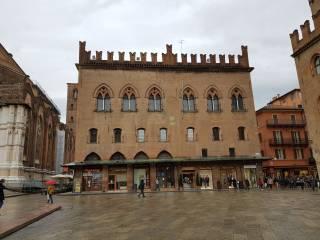 Foto - Trilocale buono stato, primo piano, Centro Storico, Bologna