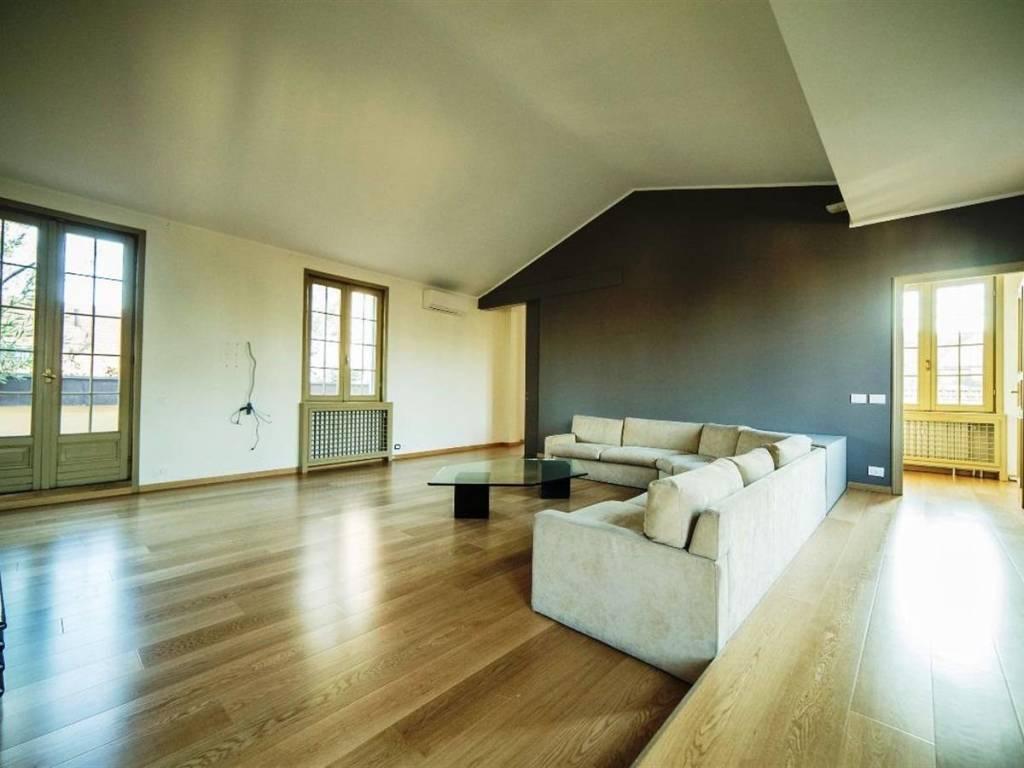 foto  Appartamento via Montenapoleone, Milano