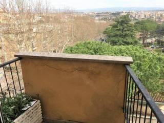 Foto - Quadrilocale da ristrutturare, ultimo piano, Villa Bonelli, Roma