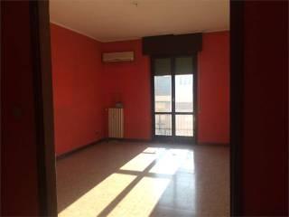 Foto - Quadrilocale da ristrutturare, quarto piano, Mantova
