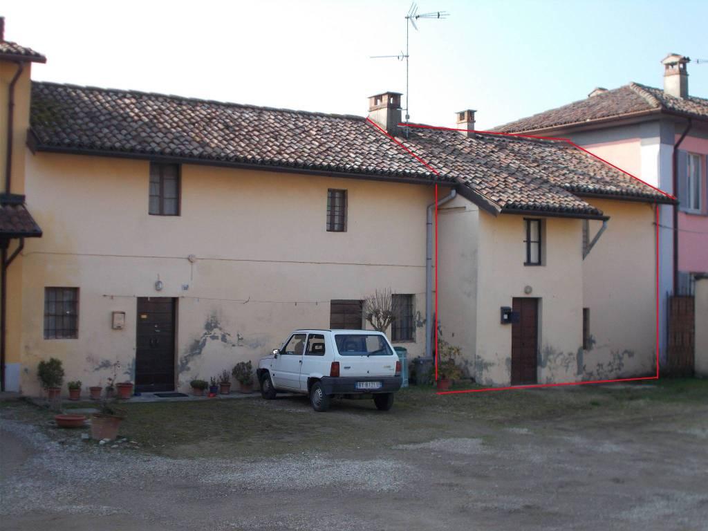 foto  Casa colonica via Po 32, Linarolo