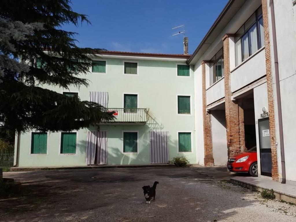 foto  Casa indipendente via Roggia di Mezzo, Montorso Vicentino