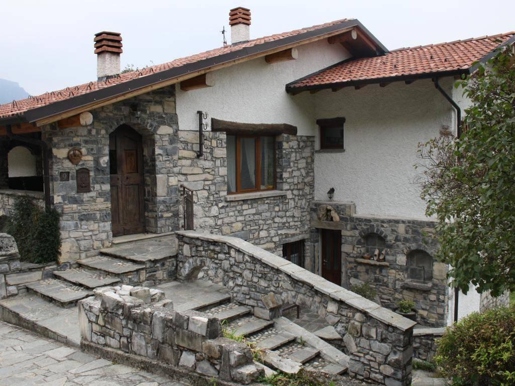 foto Esterno Villa Località Calizzone, Alta Valle Intelvi