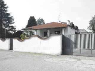 Foto - Villa 300 mq, Gorla Minore