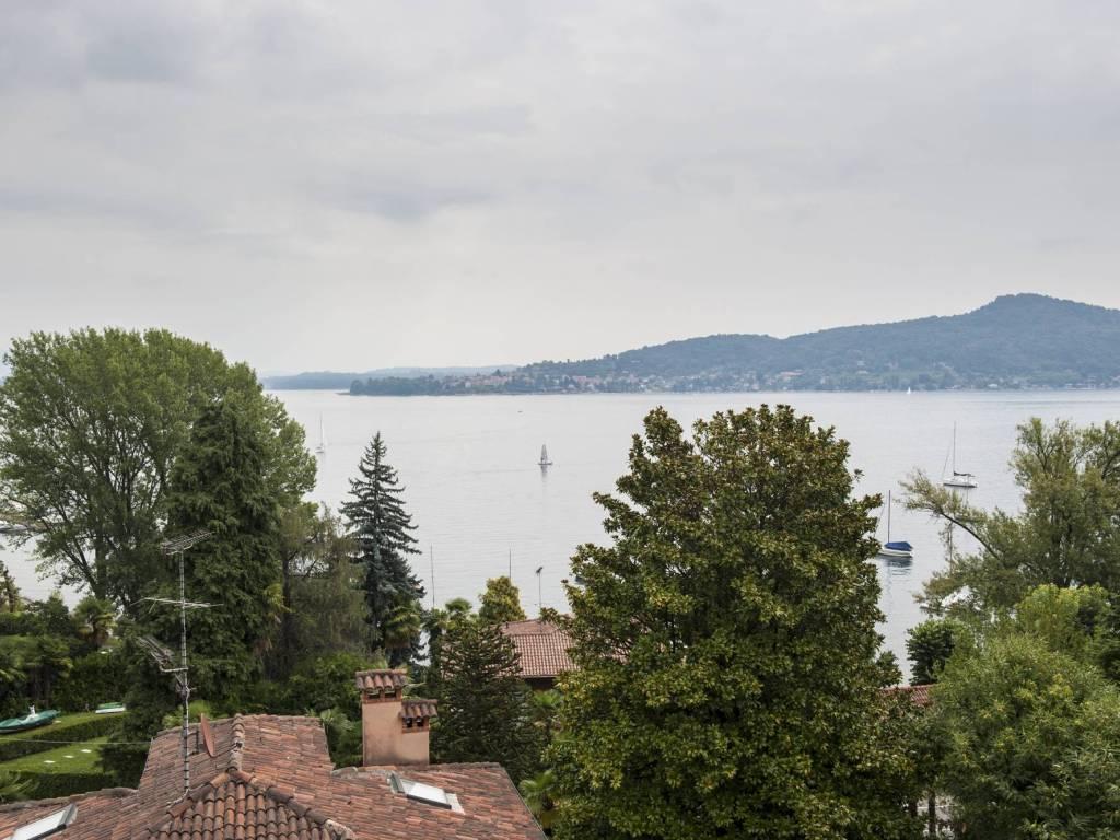 foto Vista Mansarda Appartamento via Sempione, Meina