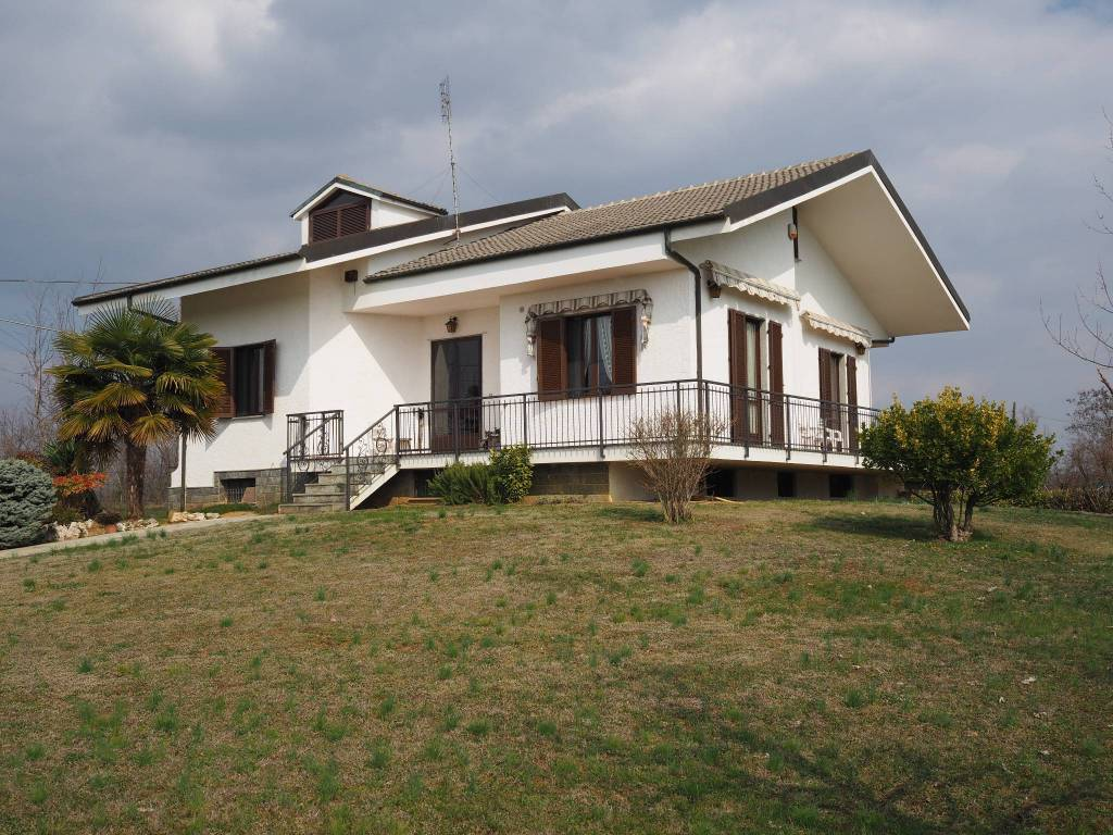 foto  Villa unifamiliare via Cellarengo, Pralormo