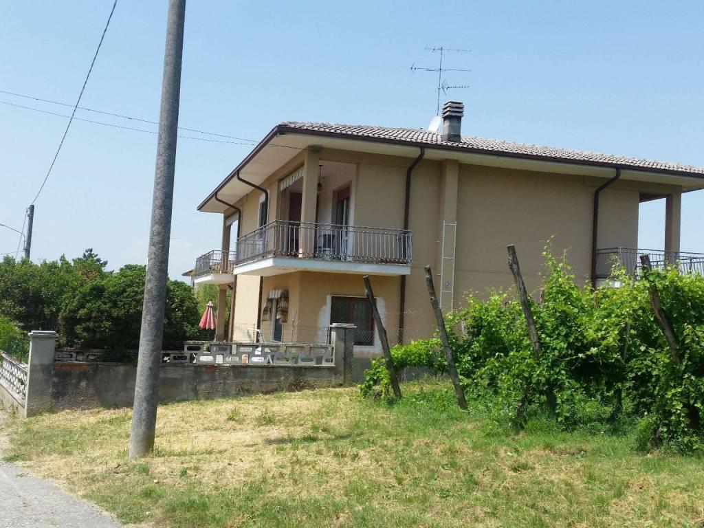 foto  Villa bifamiliare via Sgarbina 49, Montebello della Battaglia