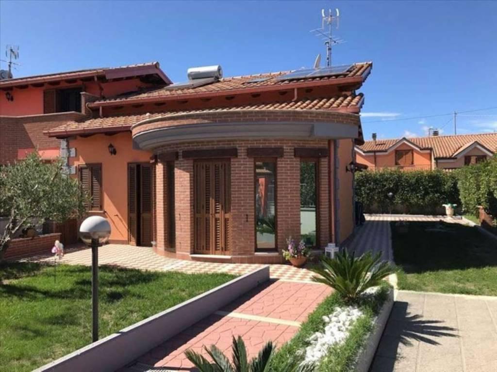 foto  Villa unifamiliare via velletri 131, Artena