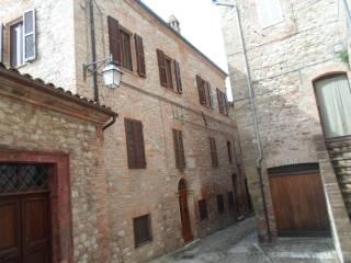 Foto - Trilocale via Roma 49, Montefortino