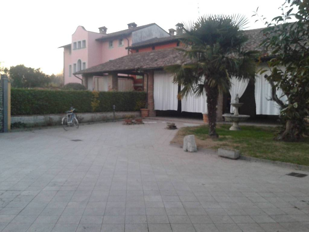 foto  Villa 5 km da Crema, Ricengo
