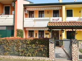 Foto - Villetta a schiera via San Donato, Correzzola