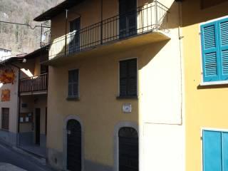 Foto - Casa indipendente via Roma 69, Vesbio, Schignano