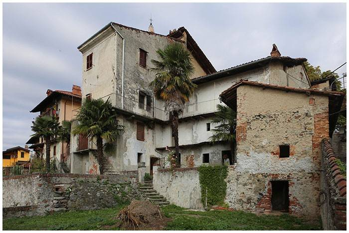 foto Vista esterna Single-family townhouse 390 sq.m., to be refurbished, Azeglio