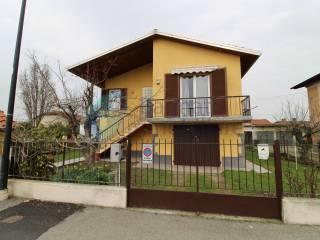 Foto - Villa via Guglielmo Marconi 94, Casalvolone