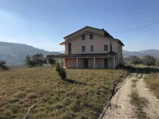 Foto - Rustico, da ristrutturare, 183550 mq, Mingarelli, Cellino Attanasio