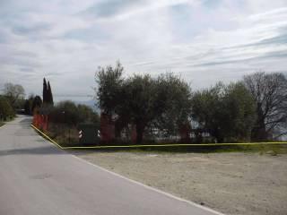 Foto - Terreno edificabile residenziale a Manerba del Garda