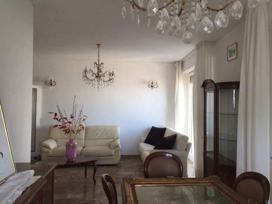 foto  Appartamento buono stato, quarto piano, Riccione
