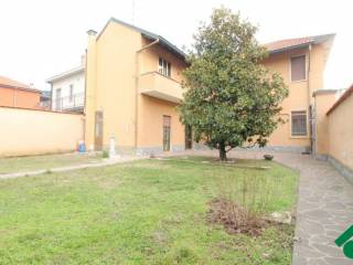 Foto - Casa indipendente 230 mq, buono stato, Casorezzo