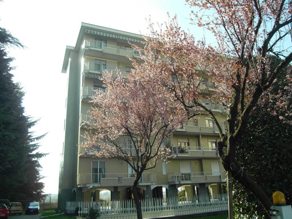 Ufficio Postale Via Monte Rosa Novara : Vendita appartamento novara. bilocale in via monte rosa 47. ottimo