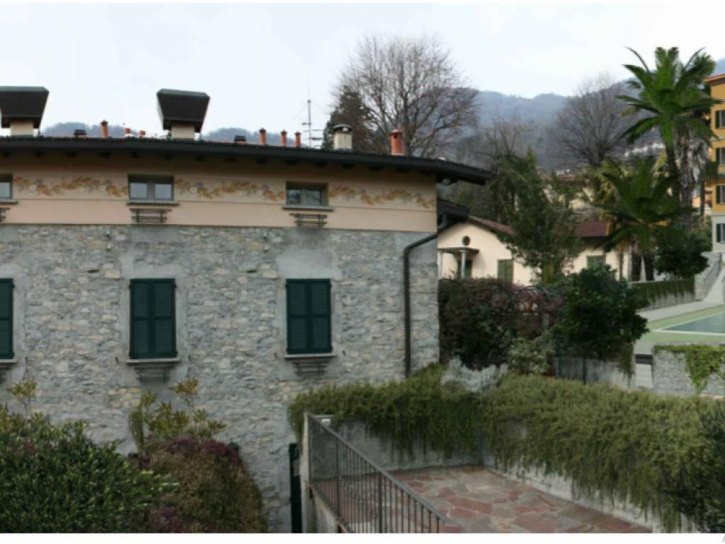 foto Ristorante + palazzina Albergo / Struttura ricettiva in Vendita a Dizzasco
