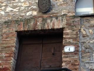 Foto - Trilocale via del Castello 4, Montecchio