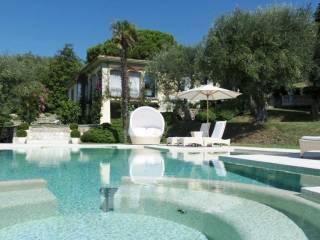 Foto - Villa viale Cristoforo Colombo 382, Camaiore