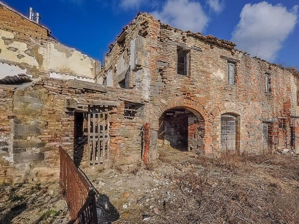 Vendita Casa colonica in Strada Provinciale Picena ...