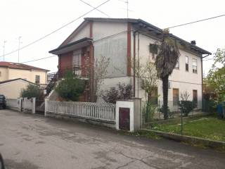 Foto - Villa via Achille Grandi 1, Argenta